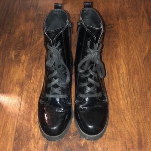 Combat laceup boots